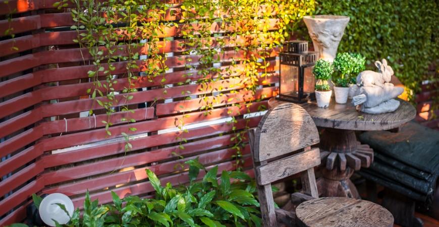 small-backyard-garden